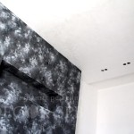 Черная декоративная штукатурка для отделки спальни