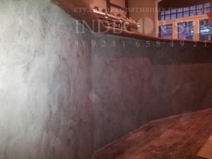 Декоративная штукатурка под бетон на барной стойке
