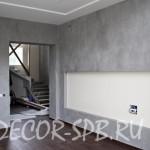 Декоративная штукатурка под бетон в отделке стен коттеджа