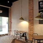 Декоративная штукатурка Травертин в отделке стен кафе