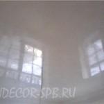 Белая венецианская штукатурка на потолке