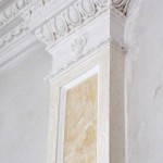 Венецианская штукатурка на гипсовых полуколоннах